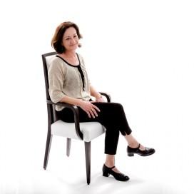Chaise design avec accoudoirs