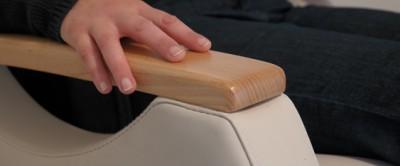 Découvrez Mateo, le fauteuil releveur réellement adapté aux personnes âgées