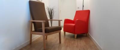 Les bienfaits d'un fauteuil à haut dossier