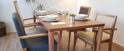 Quel fauteuil senior pour la salle à manger ?
