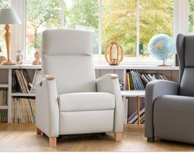 Milo Large, le fauteuil releveur adapté aux besoins d'une personne forte