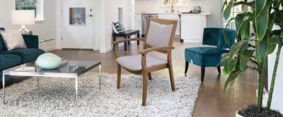 Chaise solide et confortable pour une personne obèse