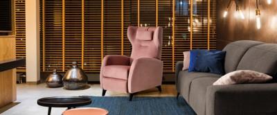 Comment intégrer un fauteuil releveur dans sa maison ?